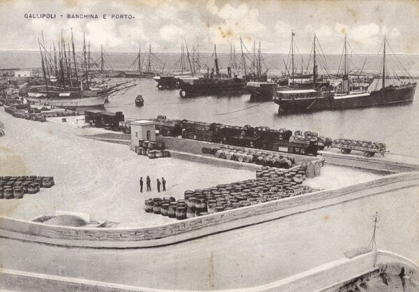 Gallipoli - In the Southern heel of Italy - the Dock and Port Date: circa 1910s
