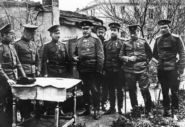 General Georgi Stoyanov Todorov (1858-1934), Bulgarian army officer, Commander of the 2nd Army in Macedonia during the First World War. Seen here with his staff. Date: circa 1915