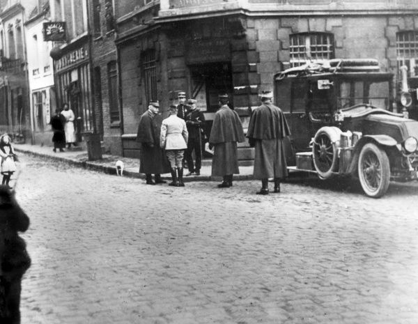 General Joseph Joffre (1852-1931) and General Louis Ernest de Maud'huy (1857-1921) in a street in St Pol, northern France, during the First World War. Date: 1915
