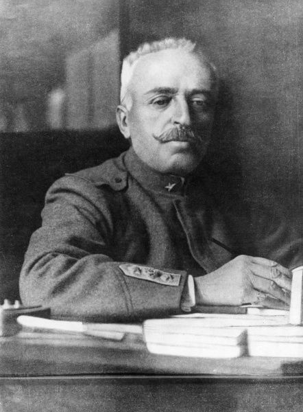 General Luigi Cadorna (1850-1928), Italian Field Marshal, chief of staff of the Italian army during the first part of the First World War. Seen here working at his desk. Date: circa 1916