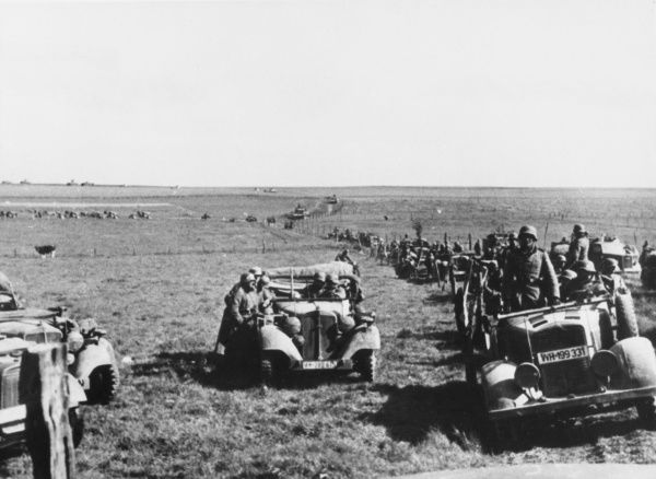 German motorised column of the 4th Panzer Division during the cross-country march in France during World War II