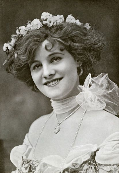 Gertie Millar. Actress. One the most famous English singer-actresses the early 20th century, known for her performances in Edwardian musical comedies. Unattributed photograpic portrait Date: circa 1905