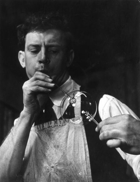Glass blower Date: 1950s