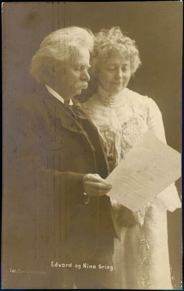 EDVARD HAGERUP GRIEG Norwegian musician, with his wife NINA (postcard sent from Christiania in 1907)