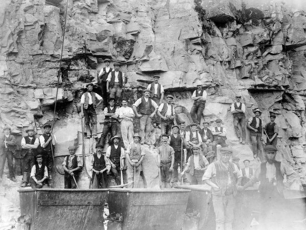 A large group of Great Western Railway navvies working on the Treffgarne railway at Nant Y Coy, Pembrokeshire, Dyfed, South Wales