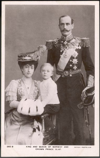 HAAKON VII King of Norway (1905-57), formerly Prince Charles of Denmark, with his wife Maud and son Olaf (V)