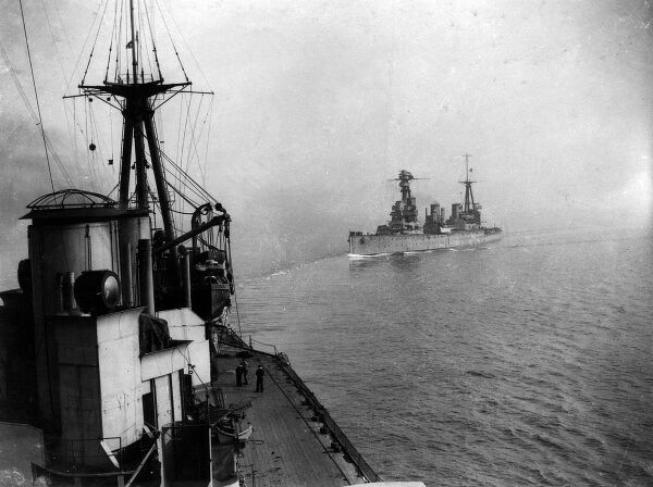 HMAS Australia (left) and HMAS New Zealand (in the distance), Indefatigable class battle cruisers, launched 1911, served in the First World War. Date: 1914-1918