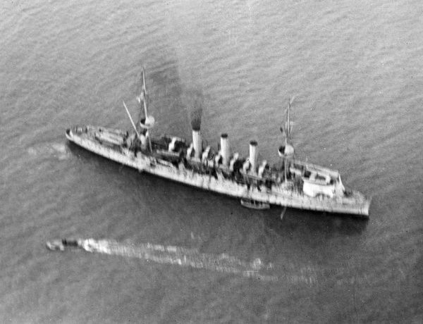 An aerial view of HMS Hermes, the first experimental seaplane carrier of the Royal Navy, a refitted Highflyer-class cruiser. Sunk in October 1914 by a German U-boat. Date: circa 1914