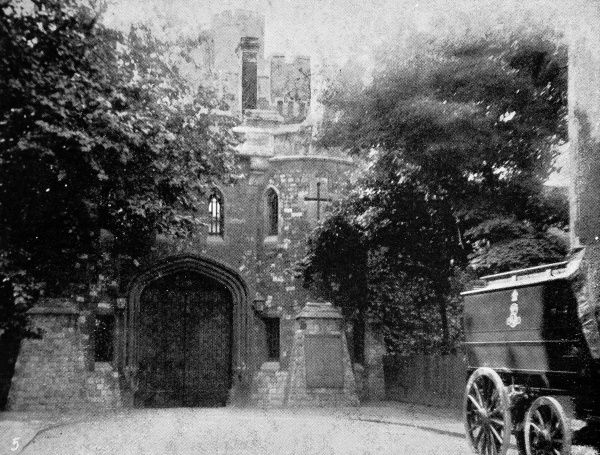 Holloway Castle' women's prison introduced the first creche for prison babies. Babies were admitted if they were born in prison or were under three months when their mothers were jailed. The babies slept in cots within their mother's cell