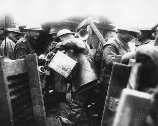 Hot coffee being served to ANZAC troops on the front line during the First World War. Date: 1916