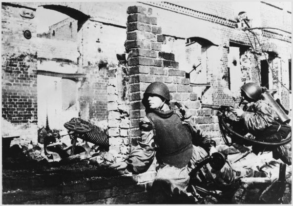 House to house fighting during the bitter battle amongst the ruins of the battered city of Stalingrad (Volgograd), USSR
