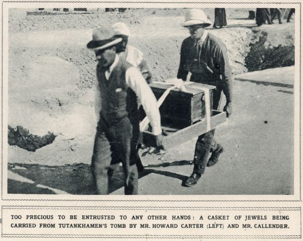 Howard Carter and Mr Callender carrying a casket of jewels from Tutankhamun's Tomb