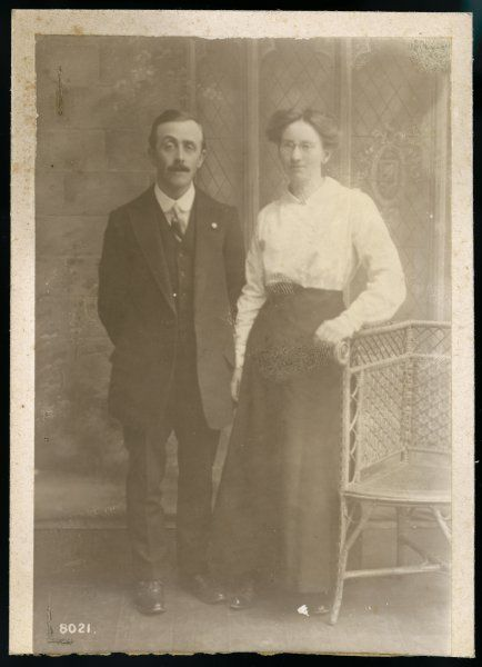 A Hampshire couple pose for their photograph