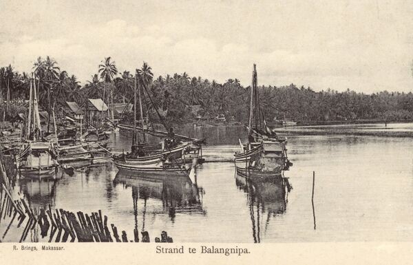 Waterfront at Balangnipa, Java, Indonesia Date: circa 1910s