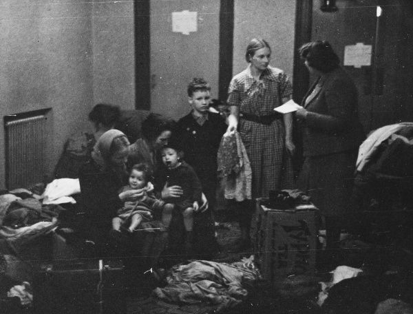 Refugees bombed out by the London blitz during World War II
