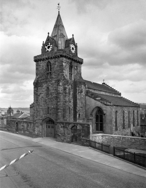 The Parish Church of St. Peter, Inverkeithing, Fifeshire, Scotland. The tower dates from the 12th century, but the rest of the building was rebuilt in 1826 after fire Date: 12th & 19th century
