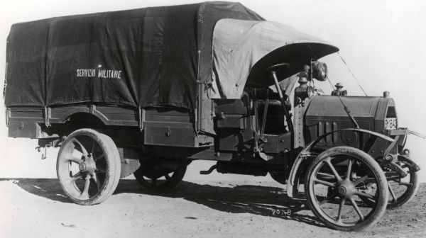 An Italian Fiat 18 BL lorry in use during the First World War. Date: 1914-1921