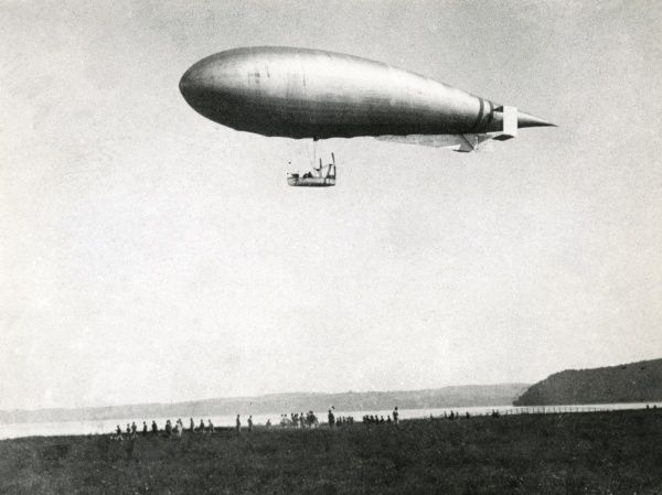 An Italian military dirigible or airship, the M1, with two Fiat S76A engines, first used during the Italian-Turkish war (1911-1912). Date: circa 1910-1913