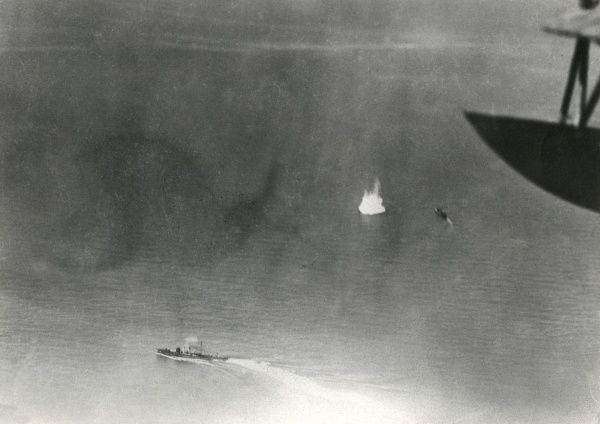 Italian naval action at sea during the First World War, viewed from above. Date: May 1917