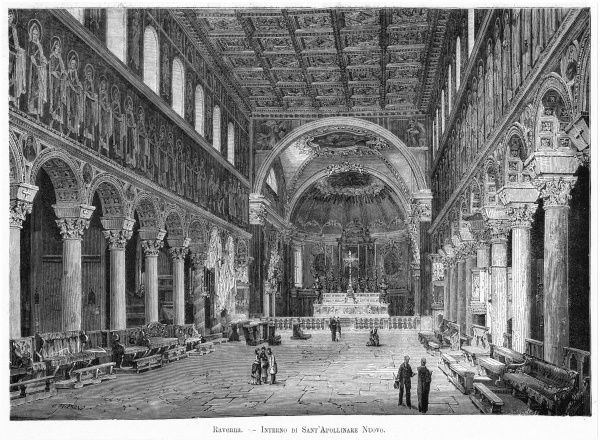 The magnificent interior of la chiesa di Sant Apollinare Nuovo