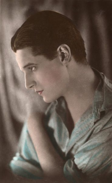 IVOR NOVELLO (Ivor Davies) Welsh actor of stage and screen, playwright and composer