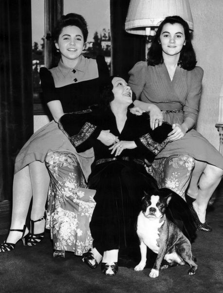 Jenny Dolly with her two adopted daughters (Manzi and Klari) shortly before her suicide, Los Angeles, 1941 1941