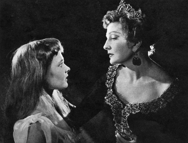Dame Judi Dench's professional stage debut as Ophelia with Coral Browne as Gertrude in 'Hamlet', produced by the London Old Vic Company. Date: 1957
