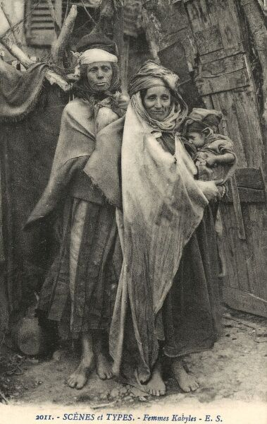 Kabyle Women and babies - Algeria. The Kabyle are Berbers from North Eastern Algeria - estimated population today of 5 million individuals. Date: circa 1910s