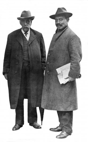Karl Liebknecht (1871-1919), German socialist and co-founder with Rosa Luxemburg of the Spartacus League and the Communist Party of Germany. Seen here (right) with an unidentified man. Date: early 20th century