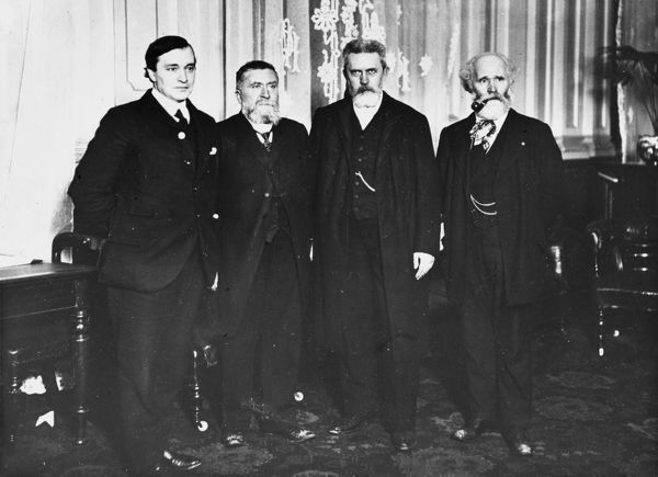 From right: Keir Hardie (1856-1915), Scottish Labour leader and politician (right) pictured with Hermann Mokenbuhr from the German SPD party executive, Jean Jaures of the French Socialist Party and WC Anderson, Independent Labour Party