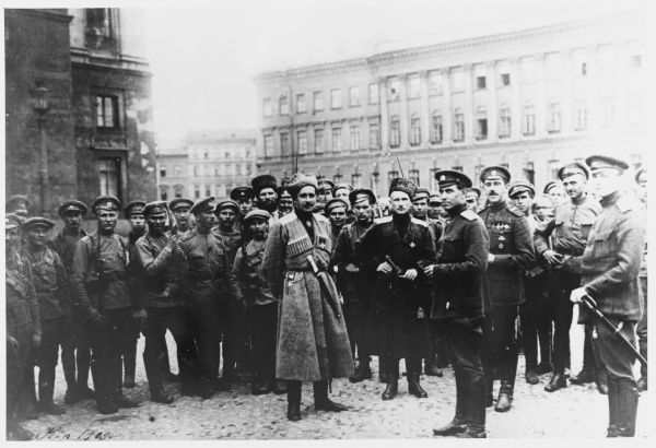 Kerensky's supporters prepare to defend his government against the attempt of general Kornilov to overthrow it