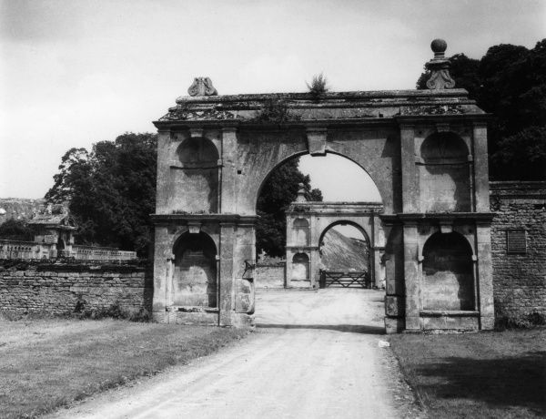 The entrance gateways to Kirby Hall, near Gratton, Northamptonshire, England. The Hall was formerly a residence of the Earl of Winchelsea, built 1570s - 1590s. Date: 16th century