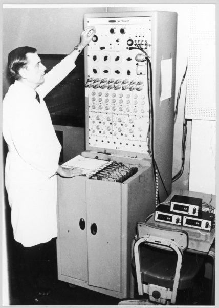 Dr Stanley Krippner, at the Maimonides Laboratory, Brooklyn (New York) monitors a DREAM TELEPATHY EXPERIMENT, recording brain activity and reading emotional activity
