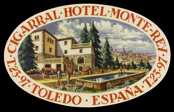 Label from the CIGARRAL HOTEL, TOLEDO (Spain) admits to being some way from the town, but draws your attention to its bathing pool