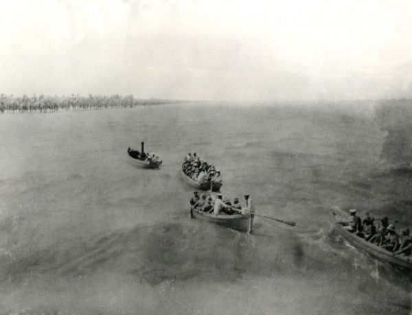 The first landing parties on the Tigris, Mesopotamia, in preparation for the March on Baghdad during the First World War. Date: 20 March 1917