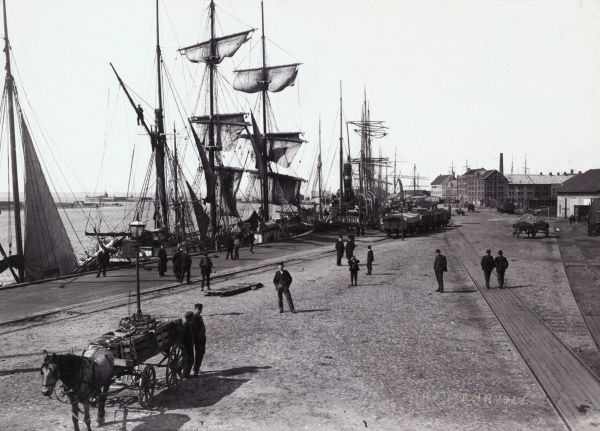 The harbour, Landskrona, about 1900. Date: 1900