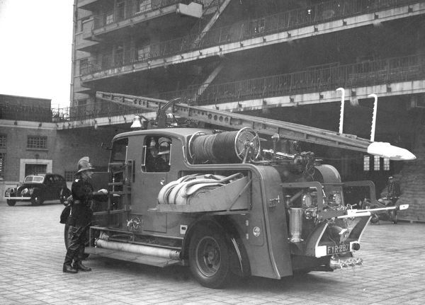 Pictured at Brigade Headquarters, Lambeth SE1, an example of an 1930 enclosed London pump with carried breathing apparatus