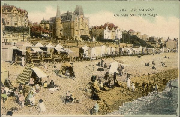 'Un beau coin de la Plage' (a fine corner of the beach) - bathing huts and tents, paddling children on what looks like a very stony beach