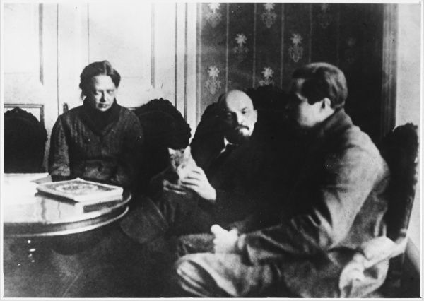 VLADIMIR ILYICH LENIN With Krupskaia and the American journalist Lincoln Air