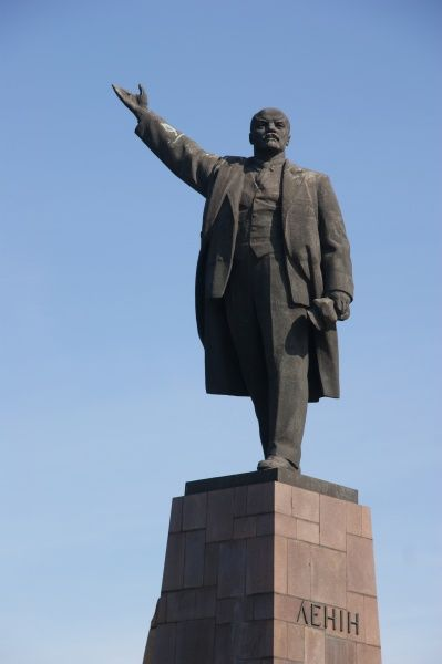 View of the statue of the Communist leader Vladimir Ilyich Lenin (1870-1924) on a monument in Zaporozhye (or Zaporizhia), in south central Ukraine. The city was previously named Aleksandrovsk, but was renamed in 1921
