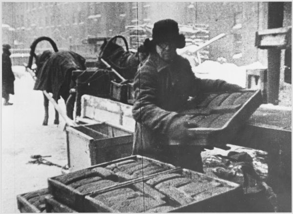Bread distribution in Winter- time