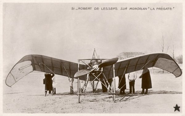 The 'La Fregate' monoplane of Robert de Lesseps, with wings designed to act like those of a bird