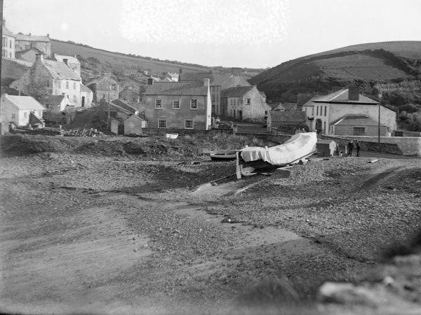 View of Little Haven with boats, near Haverfordwest, Pembrokeshire, Dyfed, South Wales