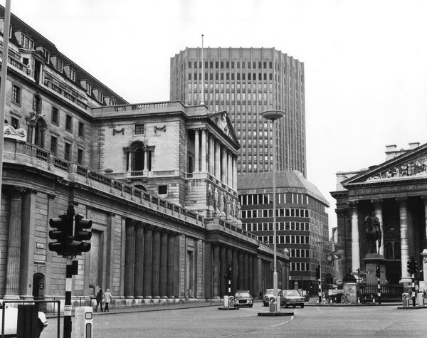 The Bank area, Threadneedle Street, London. The Bank of England is on the left, the Royal Exchange on the right and the Old Stock Exchange is in the centre. Date: late 1960s
