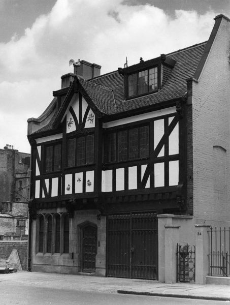 The picturesque Farm House, Farm Street, London, a leftover from a bygone era, when farming still took place close to the city centre. Date: 1950s