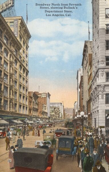 Los Angeles, California, USA - Broadway, north from 7th Street showing Bullock's Department Store. Date: 1917