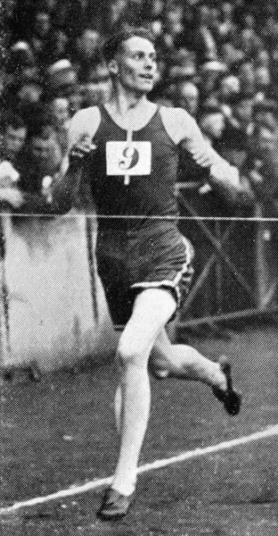 Godfrey Lionel Rampling (14 May 1909 - 20 June 2009), English athlete, army officer and centenarian. Shown here winning the 440 yards or quarter mile flat race in 48.6 seconds at the Amateur Athletics Championships at Stamford Bridge in July 1931