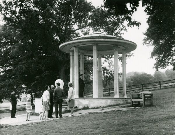 The Magna Carta Stone, erected by the American Bar Association at Runnymede, Surrey, England, where King John signed the Magna Carta in 1215. Date: 12 June 1215
