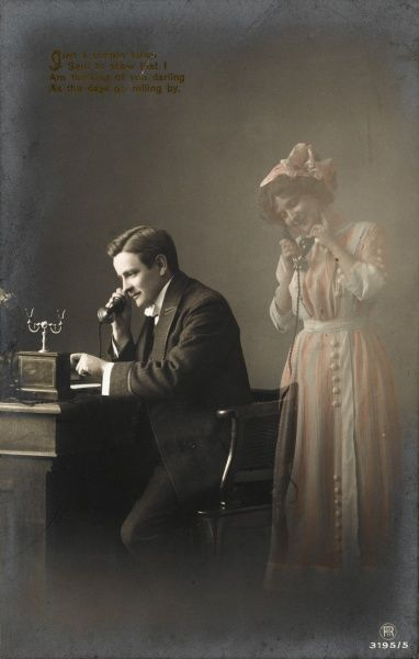 A man telephones his beloved and imagines her in the room with him, answering his call