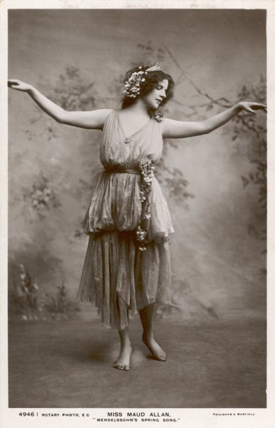 The 'Fruhlingslied' (Spring Song) from his Lieder Ohne Worte (Songs without words) is interpreted by dancer Maud Allan (famous for her rendering of Wilde's Salome)